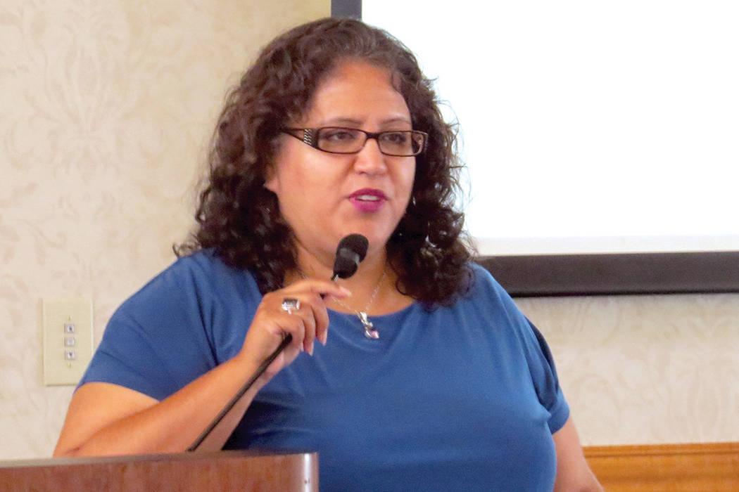 """""""En Nevada State College hay una beca para los que tienen DACA, es para cuatro años"""": Edith Fernández, vicepresidente de Nevada Satate College. Martes 11 de julio en UNLV.   Foto Anthony Ave ..."""