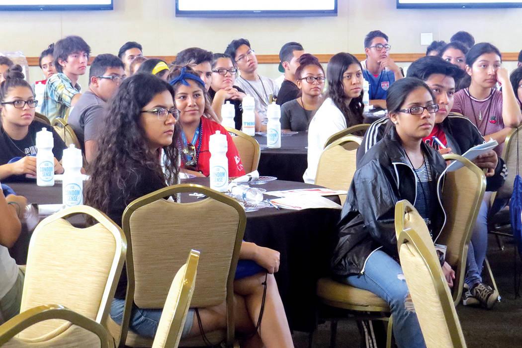 Los estudiantes se mostraron atentos a la información que se les expuso durante los seis días de la conferencia. Martes 11 de julio en UNLV.   Foto Anthony Avellaneda/ El Tiempo.
