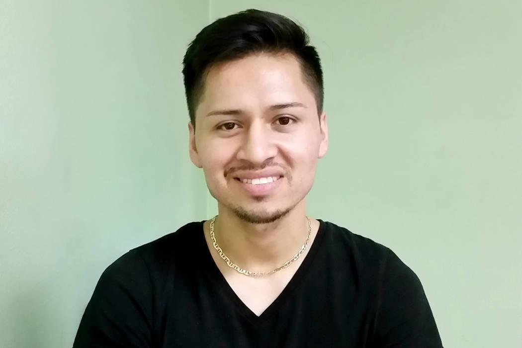 El joven Raúl Hernández, se mantuvo informado para comprar casa hasta que vio el nuevo panorama de crecimiento para hacer la inversión. | Foto El Tiempo