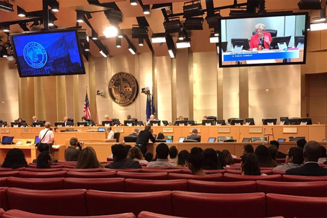 La ciudad de Las Vegas aprobó por unanimidad un equipo de United Soccer League para Las Vegas, el miércoles 19 de julio de 2017. | Gilbert Manzano / Las Vegas Review-Journal.