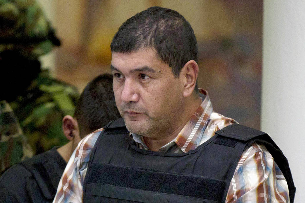 """ARCHIVO- En esta foto del 27 de septiembre de 2012, Ivan Velázquez-Caballero, de Nuevo Laredo, México, el presunto líder del cártel de los Zetas en México conocido como """"El Talibán"""", es acom ..."""