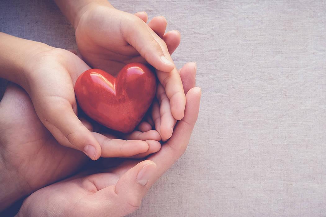 El 48% de los pacientes que esperan un trasplante en Nevada son hispanos.