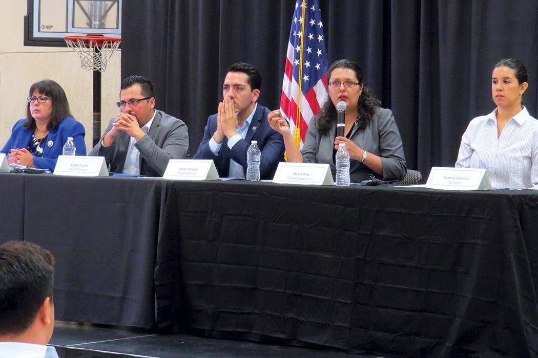 Los legisladores participantes fueron Irene Bustamante-Adams, Edgar Flores, Nelson Araujo, Olivia Díaz e Yvanna Cancela. Sábado 29 de julio en el Centro Comunitario Este Las Vegas. | Foto Anthon ...