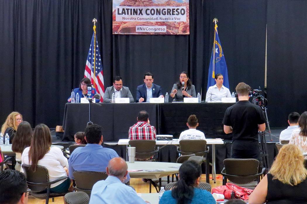 Inmigración, educación y medio ambiente fueron los temas más abordados durante el evento. Sábado 29 de julio en el Centro Comunitario Este Las Vegas. | Foto Anthony Avellaneda/ El Tiempo.
