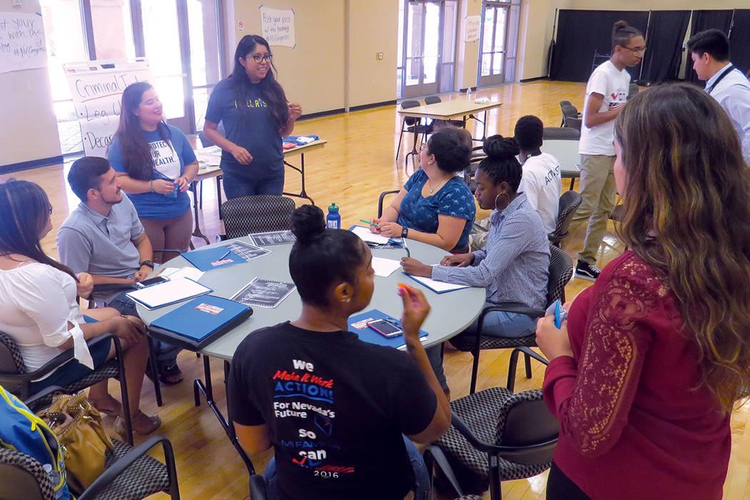 Durante el evento se realizaron grupos de trabajo para hablar sobre temas específicos. Sábado 29 de julio en el Centro Comunitario Este Las Vegas. | Foto Anthony Avellaneda/ El Tiempo.
