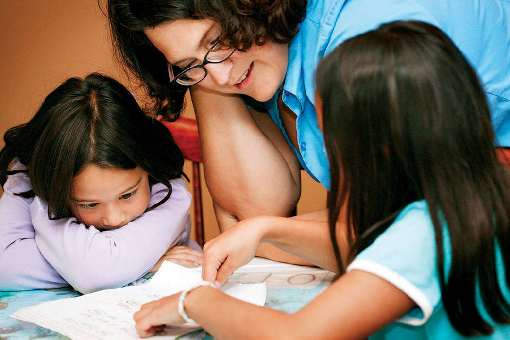 El comienzo del año escolar 2017-2018 ha llegado! A continuación se presentan preguntas y respuestas comunes para el regreso a la escuela, las cuales ayudarán a los padres del CCSD a asegurar q ...