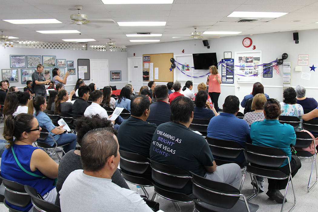 Decenas de personas asistieron al Sindicato Culinario para conmemorar el aniversario de DACA. Martes 15 de agosto en el Sindicato Culinario. | Foto Cortesía Johali Carmona.