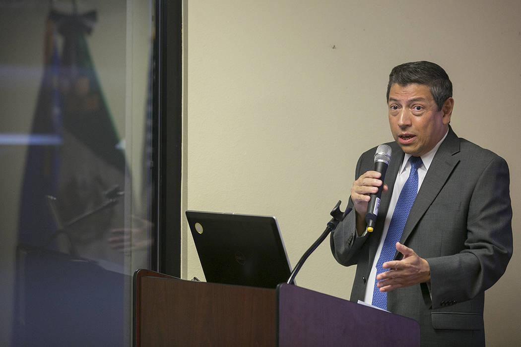 El cónsul mexicano Alejandro Madrigal habla durante un evento aniversario del DACA en el Consulado de México en Las Vegas el martes, 15 de agosto de 2017.Bridget Bennett Las Vegas Review-Journal ...