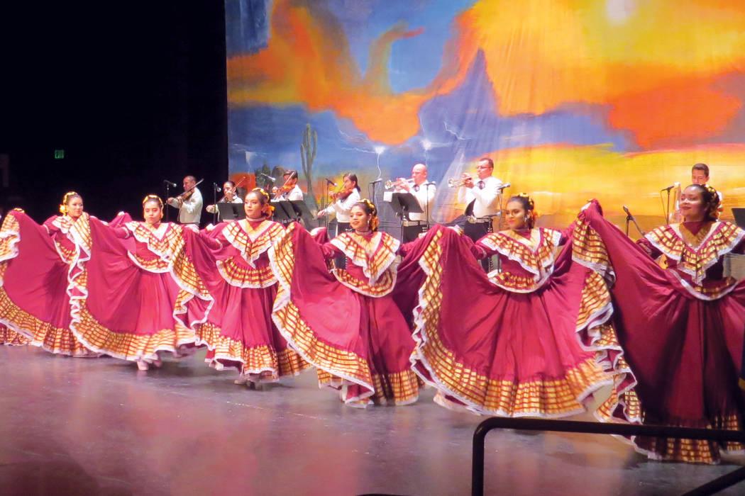 Los números de baile folclórico fueron acompañados con mariachi. Sábado 19 de agosto en Cashman Center. | Foto Anthony Avellaneda/ El Tiempo.