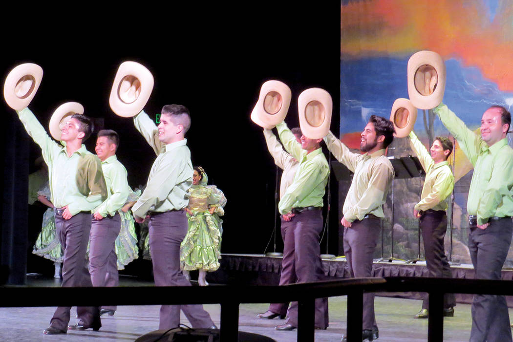 Los grupos participantes fueron traídos desde Tijuana y Chihuahua. Sábado 19 de agosto en Cashman Center. | Foto Anthony Avellaneda/ El Tiempo.