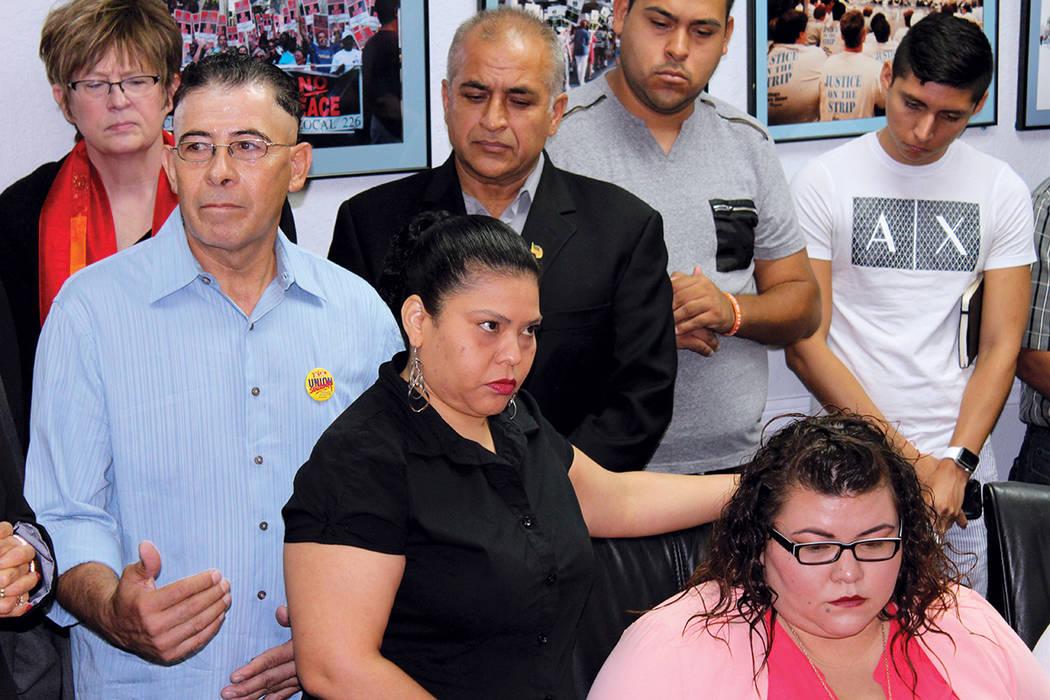 Trabajadores con TPS de la Unión Culinaria, entre ellos Francis García (centro), tienen empleo en los casinos gracias al permiso de trabajo Foto, Unión Culinaria, martes 22 de agosto, en Las Ve ...