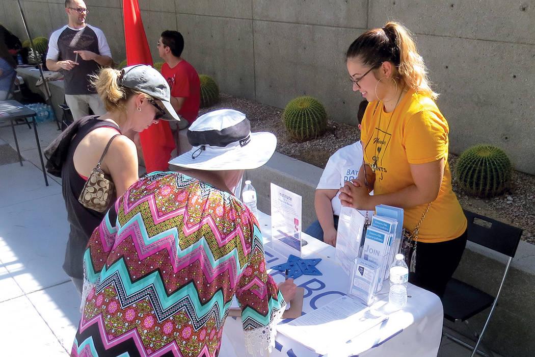 Battle Born Progress fue una de las organizaciones presentes durante la conmemoración del 'Día de la igualdad de la mujer'. Sábado 26 de agosto al exterior de la Corte Federal de Las Vegas. ...