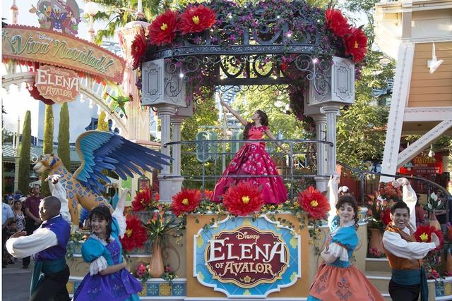 La Princesa Elena es la primera de Disney inspirada en las culturas de Latinoamérica. Elena de Avalor es una jovencita que en esta foto hace su debut en el Festival of Holidays, en el parque Disn ...