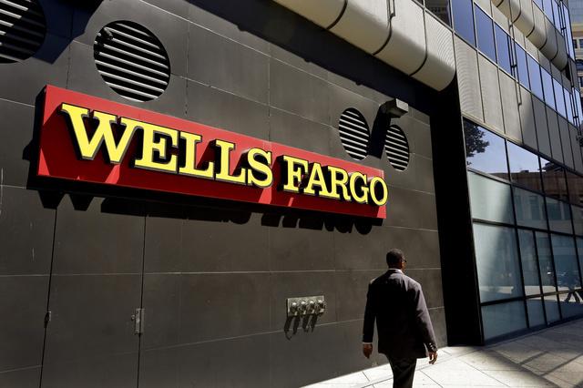 El Banco Wells Fargo será multado con 185 millones de dólares por haber abierto cuentas sin autorización de los clientes.  (AP Photo/Ben Margot, archivo).