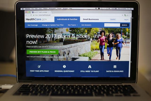 Así se ve la página de internet HealthCare.gov 2017, donde se avisa de la próxima inscripción al sistema de salud conocido como Obamacare. La Administración Obama dió a conocer el 24 de octu ...