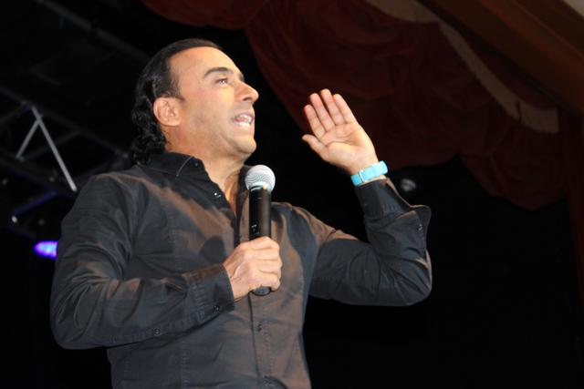 Adal Ramones no paró su monólogo por 2 horas que hizo reír a su público, el viernes 17 de febrero de 2017 en el Hotel-Casino Texas Station. Foto El Tiempo