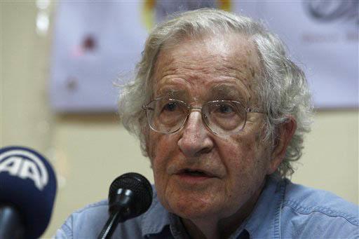El 29 de diciembre del 2016 Noam Chomsky, académico y activista de origen judio-americano, se unió al movimiento que pide no deportar a los 11 millones de indocumentados del país. (Foto Archivo ...