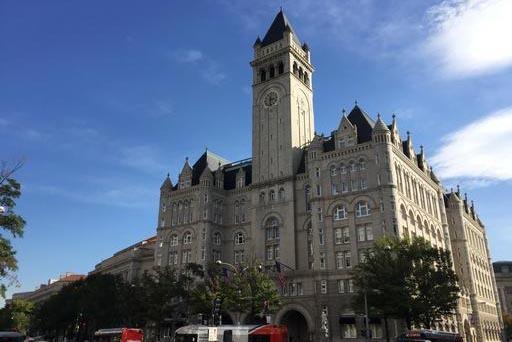 """Panorámica del """"Trump International Hotel"""" en Washington, que fue inaugurado el 26 de octubre del 2016 por su propietario Donald Trump, también candidato republicano a la presidencia de los Esta ..."""