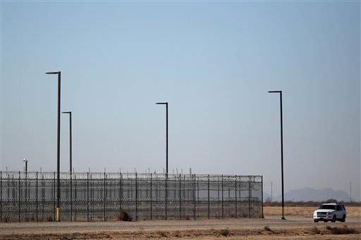 En esta foto de archivo, 20 de enero del 2016, se ve el Centro de Detención en el poblado de Eloy, Arizona. (AP Photo/Ricardo Arduengo).