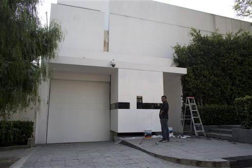 """La llamada """"Casa banca"""" de la primera dama de México, en foto de archivo, Nov. 10, 2014, en la Ciudad de México. (AP Photo/Dario Lopez-Mills)."""