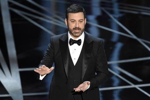 Jimmy Kimmel, conductor de los Premios Oscar el domingo 26 de febrero del 2017 en Los Ángeles, hizo referencias al presidente Trump. (Photo by Chris Pizzello/Invision/AP).