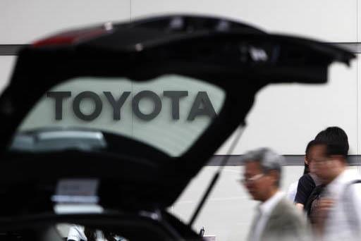 Foto de archivo, agosto 2 del 2011 durante una expo de Toyota en Tokio, Japón. El presidente electo Donald Trump advirtió el 5 de enero del 2017 a Toyota que debe mantener su producción dentro  ...