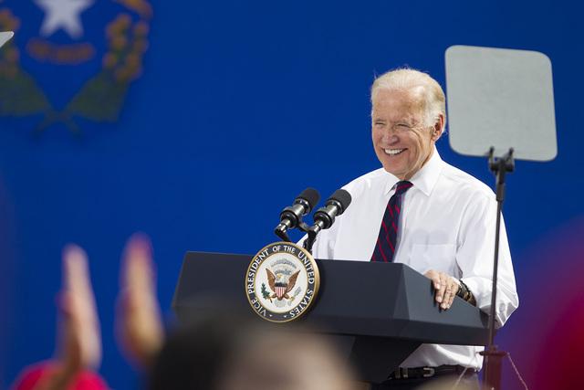 El vice presidente Joe Biden dirige un discurso durante un evento de campaña a favor de la candidata demócrata al senado federal, Catherine Cortez Masto y de la candidata presidencial, Hillary C ...