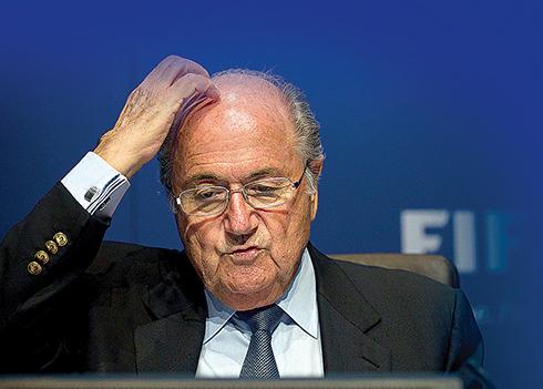 Joseph Blatter, exlíder de la FIFA; le encuentran otros asuntos de enriquecimiento oscuro. (Foto archivo | AP).