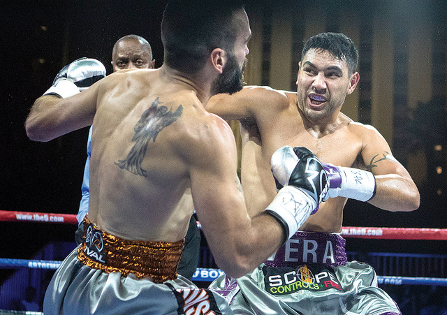 John 'The Phenom' Vera derrotó por nocaut a Milorad 'Micko' Zizic, en una pelea que emocionó a todos los espectadores. Foto: Loren Townsley/Las Vegas Review-Journal.