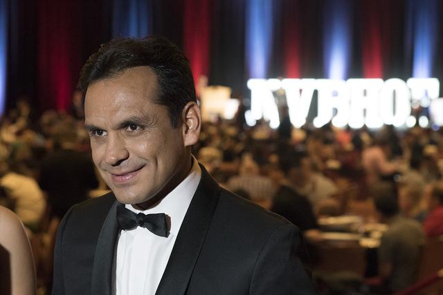 """Ricardo """"Finito"""" López fue inducido al Salón de la Fama del Boxeo de Nevada. Habla con un reportero durante la ceremonia de entrega de reconocimientos, el 30 de julio de 2016. Jason Ogulnik/ ..."""