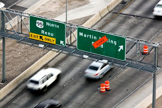 """El tránsito de vehículos fluye en el """"Spaghetti Bowl"""" el jueves 27 de octubre del 2016. Como parte de las obras de ampliación fueron cerradas algunas rampas, desde el 27 de octubre y hasta fina ..."""
