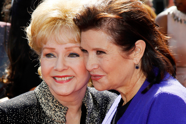 Debbie Reynolds y Carrie Fisher. | Agencia
