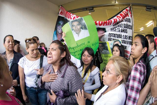 En agosto de ese año, la Fiscalía mexicana anunció el hallazgo de una fosa clandestina en un terreno del municipio de Tlalmanalco, en el céntrico Estado de México, con restos humanos que resu ...