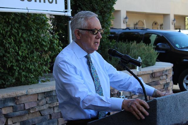 El senador por Nevada, Harry Reid, comentó que gracias al ObamaCare se puede acercar el servicio médico a la sociedad de bajo ingreso. Foto El Tiempo
