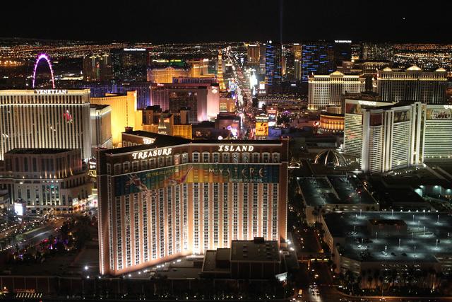 Imagen del Strip de Las Vegas, desde lo alto del hotel Trump International, el 18 de febrero del 2015. (Erik Verduzco/Las Vegas Review-Journal).