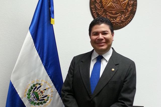 Tirso Sermeño, Cónsul General de El Salvador en Las Vegas. | Foto El Tiempo