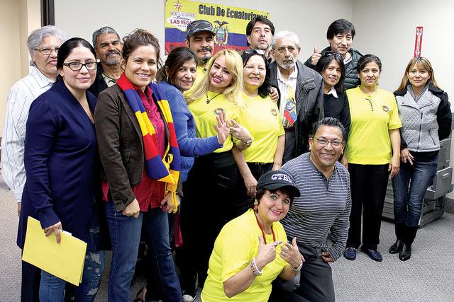 El club de ecuatorianos en Las Vegas, formó parte de la jornada consular, ofreciendo su ayuda voluntaria a sus connacionales que acudieron a realizar diversos trámites, el sábado 10 de diciembr ...