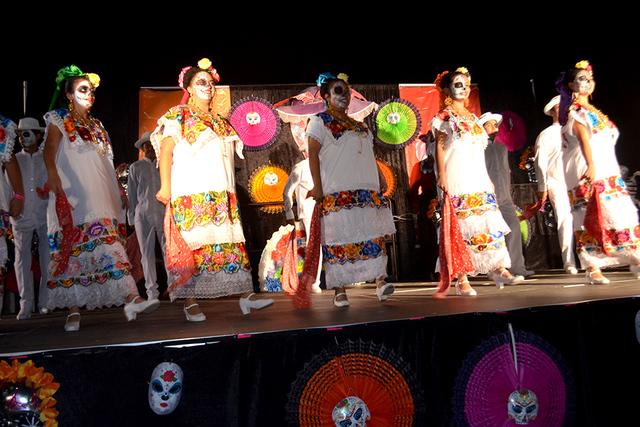 El grupo Folclórico Ángel Dance mostro sus típicos bailables mexicanos. Foto El Tiempo