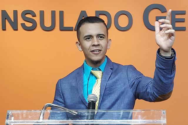Con un nivel académico alto, Aaron Ulises Luna se ha hecho acreedor a distintas becas del Instituto de Mexicanos en el Exterior, gracias a su excelente desempeño estudiantil. Estos apoyos le han ...