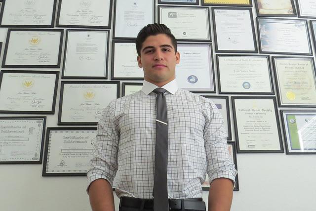 """""""Al recibir mi DACA, no sólo me entregaron un documento oficial o permiso legal, si no que me dieron el regalo de esperanza"""": estudiante 'dreamer' de la Universidad de Princeton, José Ya ..."""