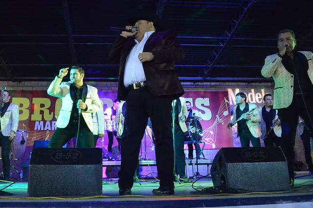 """José Ángel Ledesma mejor conocido en el medio artístico como """"El Coyote"""" acompañado de su Banda Tierra Santa, brindó un conciertazo que dejó con buen sabor de boca a sus seguidores, el s ..."""