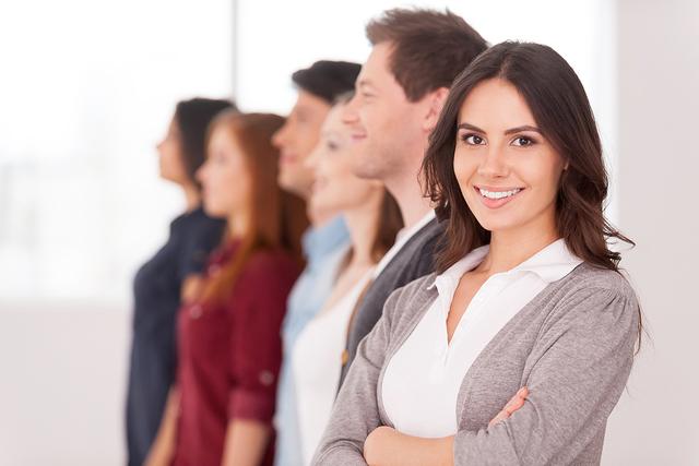 El Departamento del Trabajo y sus socios ofrecen este seminario de educación para los propietarios de negocios. | Agencia