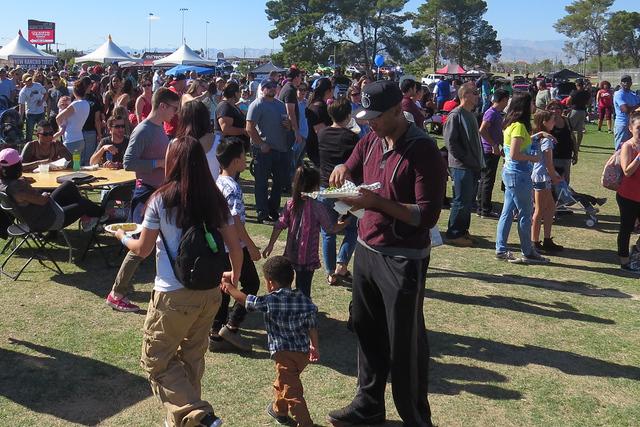 El primer Festival del Taco superó por mucho las expectativas de los organizadores, quienes planean que el evento del próximo año sea de dos días. Sábado 5 de noviembre en el parque Craig. Fo ...