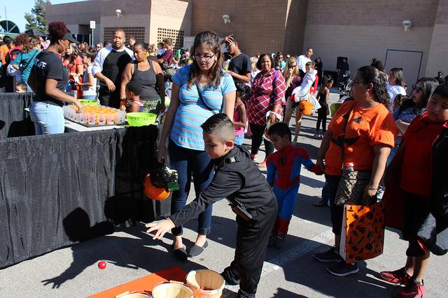 El Festival de la Cosecha ofreció entretenimiento a los niños como, juegos de destrezas, dulces, juguetes, entre otras actividades, el sábado 22 de octubre de 2016. Fotos El Tiempo
