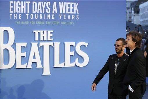 Ringo Starr (izquierda) y Paul McCartney de The Beatles, en la premier del film 'The Beatles, Eight Days a Week' en Londres, el jueves 15 de Septiembre. (AP Photo/Kirsty Wigglesworth).