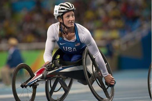 Tatyana McFadden de Estaados Unidos, compite en cien metros, en las Paralimpiadas de Rio 2016, en Brasil. (Foto AP Photo/Mauro Pimentel).