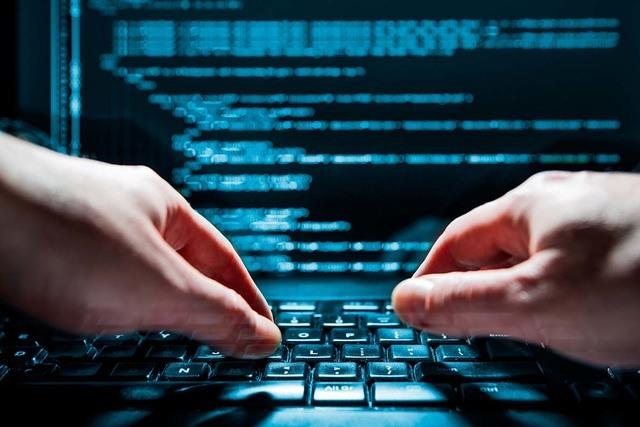 Una investigación de la agencia AP encontró que algunos agentes de policía suelen usar las bases de datos de sus corporaciones para fines personales. (Foto Agencias).