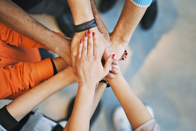 Los maestros y administradores de CCSD están trabajando continuamente para crear ambientes de tolerancia, respeto y comprensión, en las escuelas y las aulas.