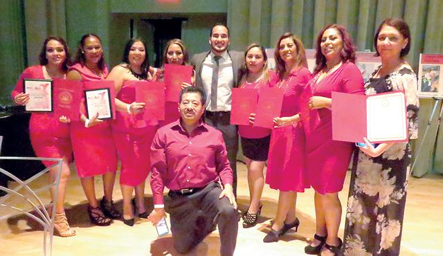 Los ganadores del reto para tener una vida más saludable recibieron reconocimientos por su esfuerzo y dedicación, el sábado 11 de febrero en el evento de 'Vístete de rojo y haz latir tu cora ...