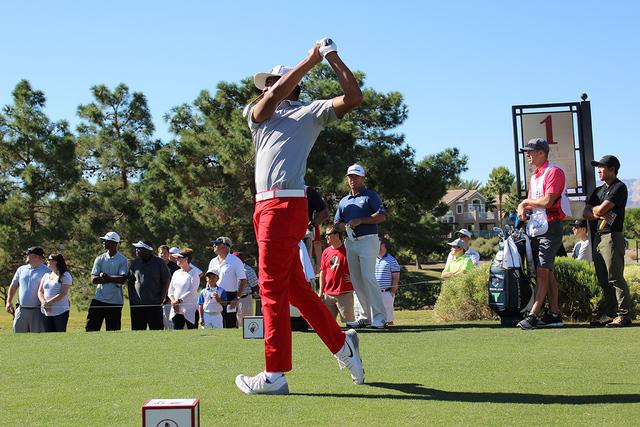 Chez Reavie, jugador del abierto Shriners Hospitals, después de un tiro largo, durante el torneo profesional, el sábado 5 de noviembre de 2016 en el campo de golf de Summerlin. Foto El Tiempo